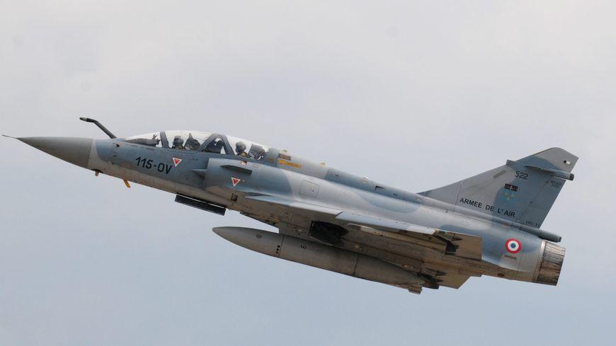 Sud-Ardèche : «Ras le bol du bruit des avions de chasse au dessus de nos têtes !» – France Bleue