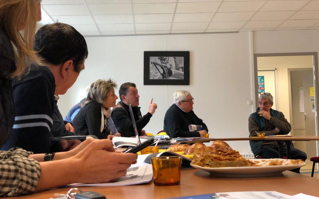 Réunion de travail à St Etienne de Lugdarès autour de la présence médicale et des services à la population