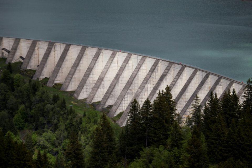 « Les barrages ne sont ni de droite ni de gauche, ils sont d'intérêt stratégique. »