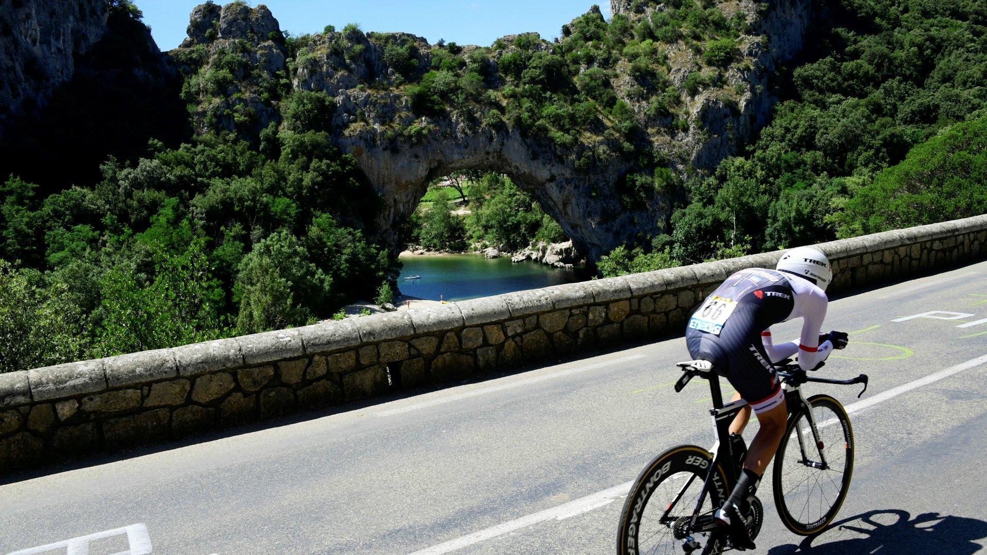 Et pourquoi pas inscrire le Tour de France au Patrimoine culturel immatériel de l'Unesco ?