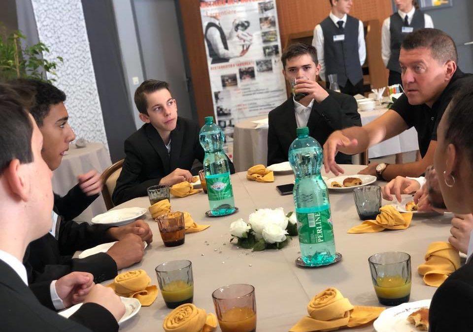 Echanges avec les jeunes en formation au lycée hôtelier de Largentière