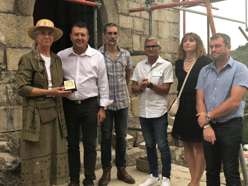 Aux portes de la Montagne ardéchoise, au Château de Ventadour à Meyras, pour commémorer les 50 ans de chantier de restauration et rendre hommage à Mr Pierre Pottier