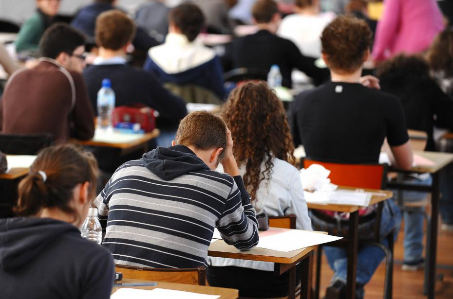 Jeunes des villes et jeunes des champs. Ma question à la Ministre de l'enseignement supérieur sur les difficultés financières des étudiants