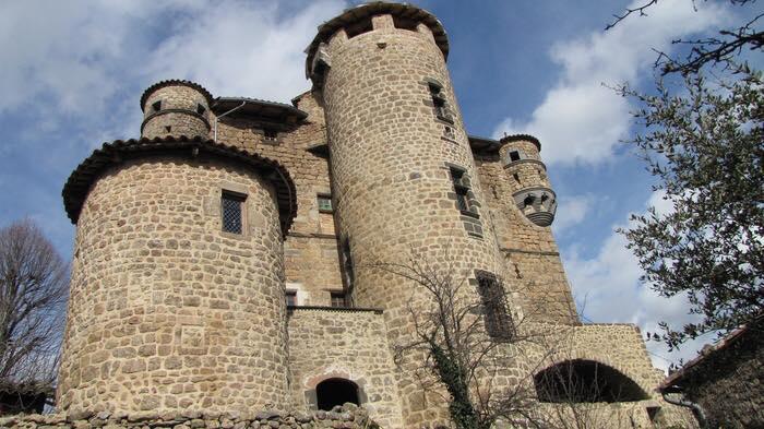 Inauguration de l'exposition «A table au Moyen-Age» au château de Hautségur à Meyras