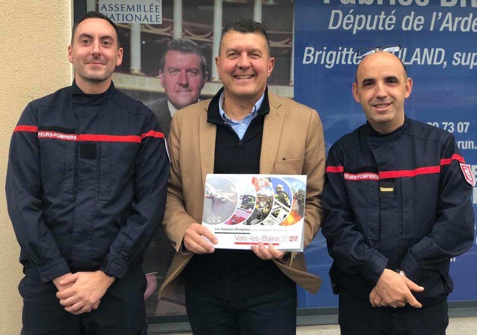 Présentation des nouveaux calendriers des sapeurs-pompiers de Vals les Bains