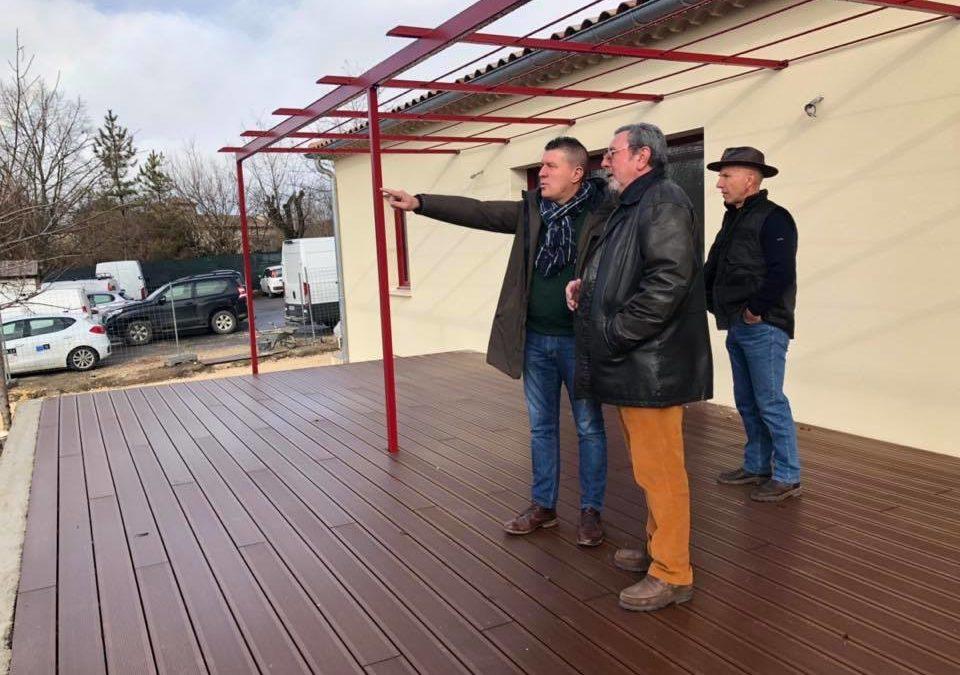 Visite du projet de bistrot de pays à Saint-André-de-Cruzières et dégustation de vin d'Ardèche au domain Peyre Brune
