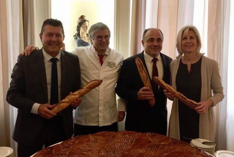 Soutien à la candidature de la baguette de pain française au patrimoine immatériel de l'UNESCO.