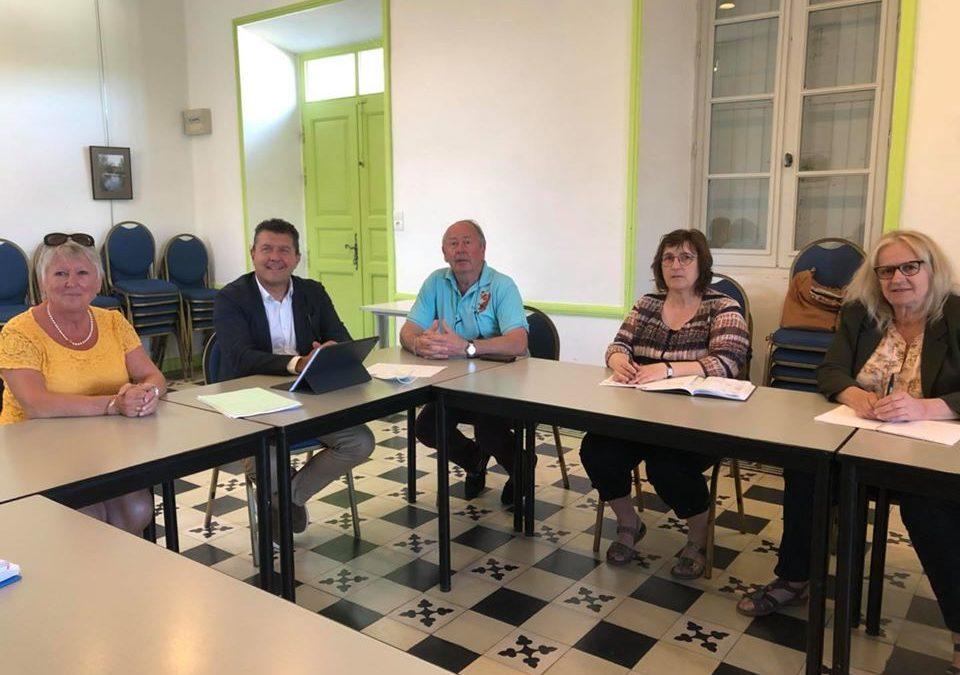 Réunion de travail à Joyeuse avec Brigitte Pantoustier, nouvelle maire, et ses adjoints.