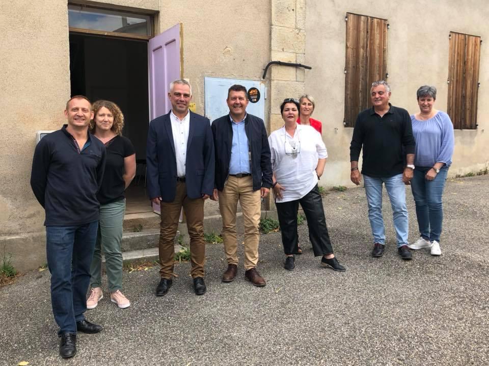 Echanges avec Jean-Luc Arnaud, nouveau maire de Saint-Julien-du-Serre, et son équipe