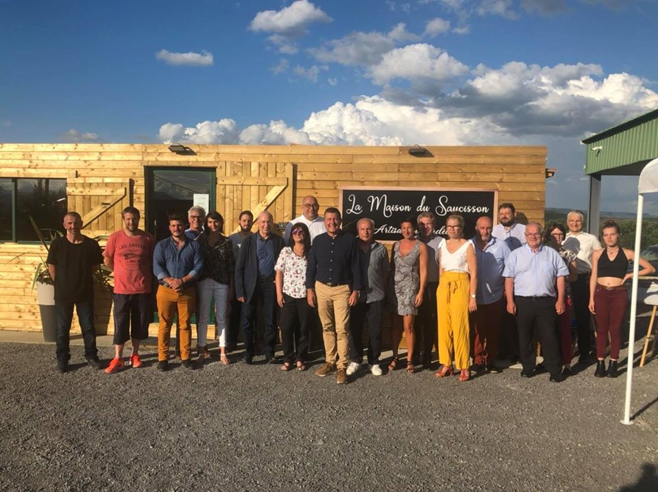 Inauguration du nouveau local de vente de La Maison du Saucisson à Lavilledieu.