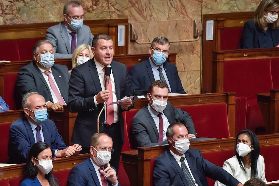 Je vote contre le Projet de Loi de Financement de la Sécurité Sociale et dénonce une gestion de crise approximative.