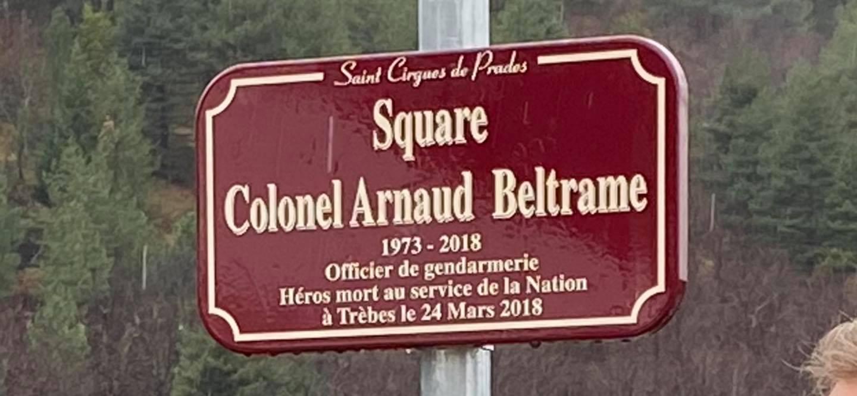 Inauguration du square Colonel Arnaud Beltrame à Saint-Cirgues de Prades.