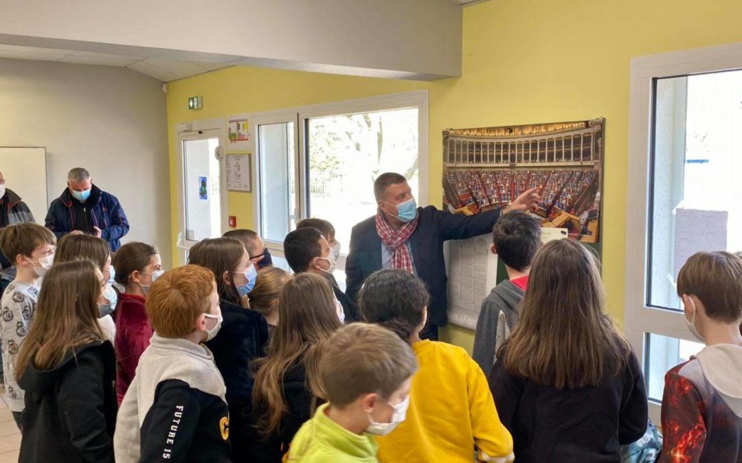 À la rencontre des élus de Vogüé et des enfants de l'école Volamau.