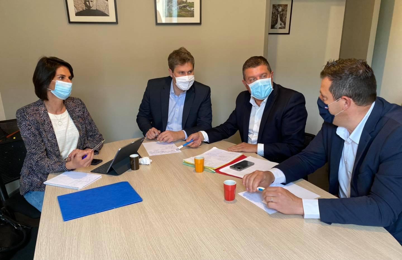 Réunion de travail avec les sénateurs Anne Ventalon et Mathieu Darnaud, et Olivier Amrane, conseiller régional.