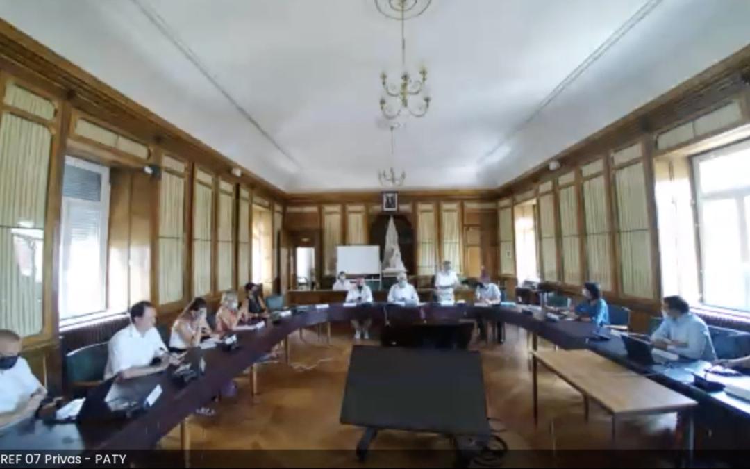 Premier comité de concertation départemental sur l'accès aux réseaux de téléphonie fixe et mobile à Privas.
